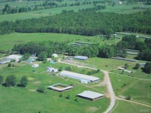 Farm House for sale in USA - Missouri...