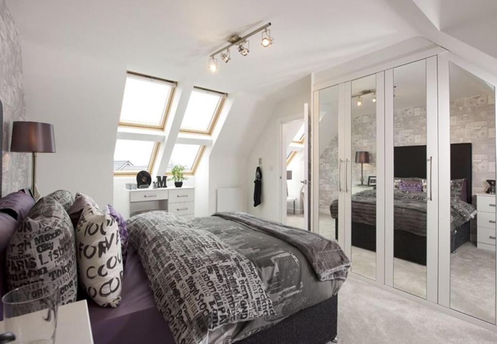 Warwick bed 3