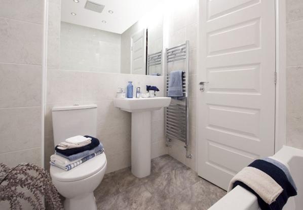 Lincoln bathroom