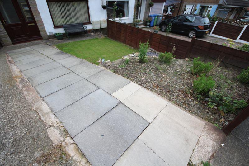Front Garden/D...