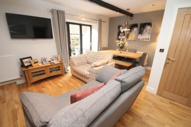 Second Lounge ...