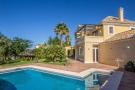4 bedroom Detached property in Marbesa, Costa Del Sol...