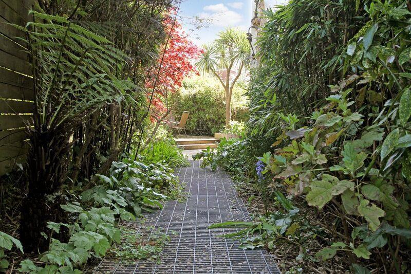632. Garden 3.jpg