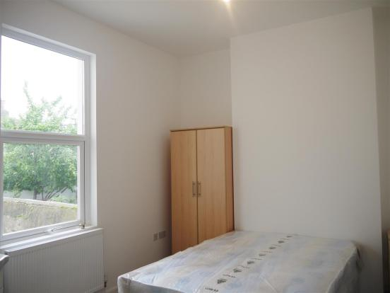 639. Bedroom.JPG