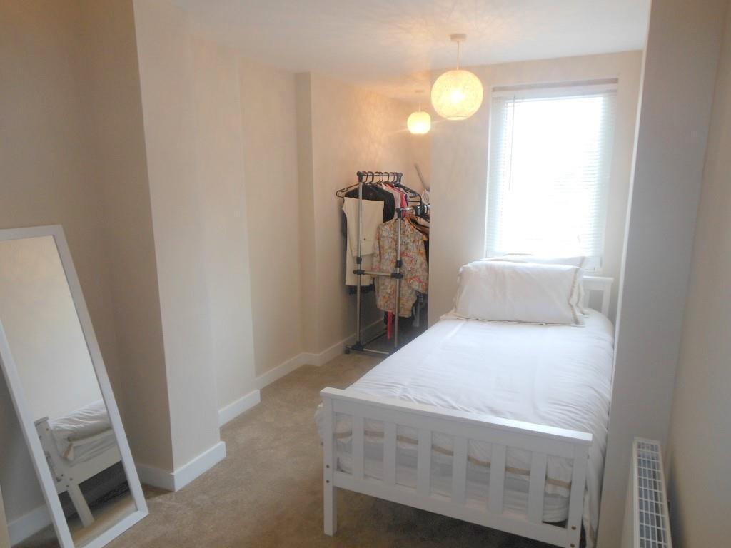 653. Bedroom1.JPG