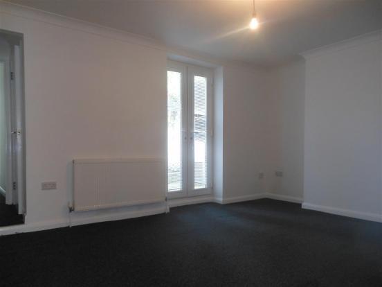 641. Living Area.jpg