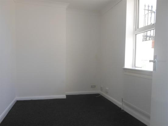 641. Bedroom.jpg
