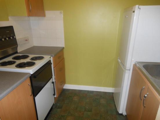 659. Kitchen.JPG