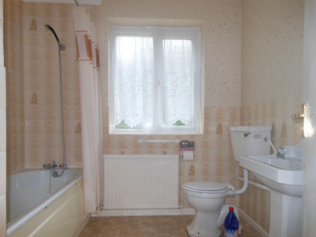 672. Bath Y.JPG