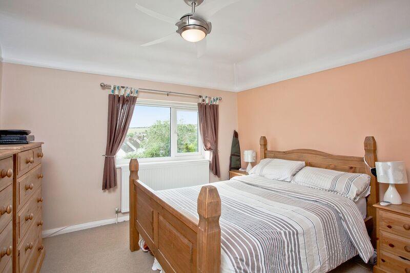 671. Bedroom.jpg
