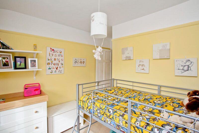 671. Bedroom1.jpg