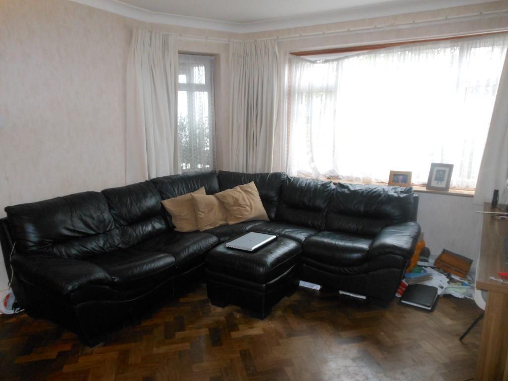 674. Living Room.JPG