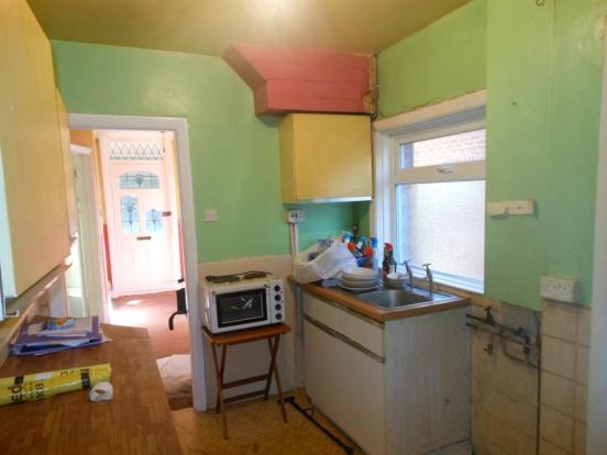 676. Kitchen.JPG