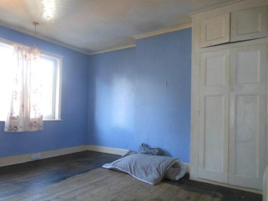 676. Bedroom1.JPG