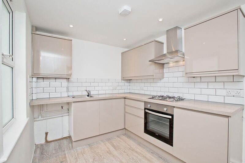 660. Kitchen.jpg