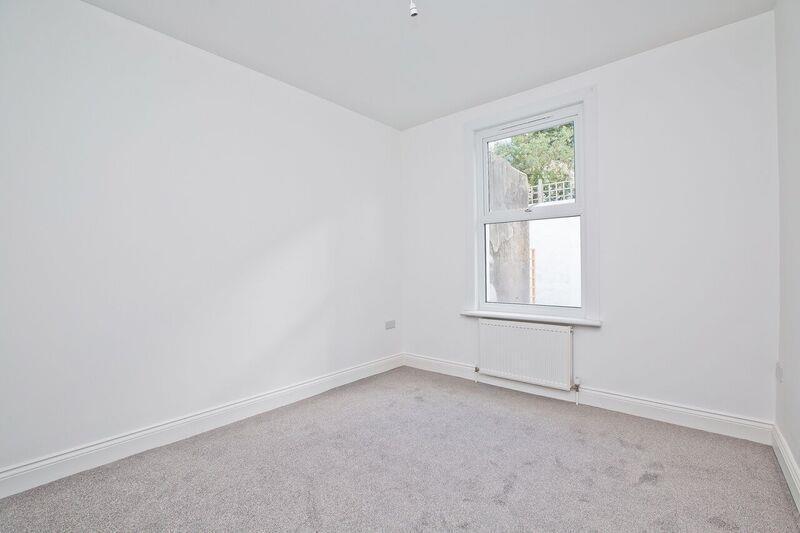 660. Bedroom 1.jpg
