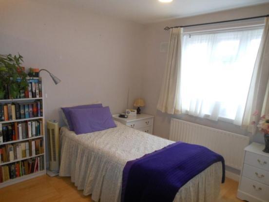 680. Bedroom.JPG