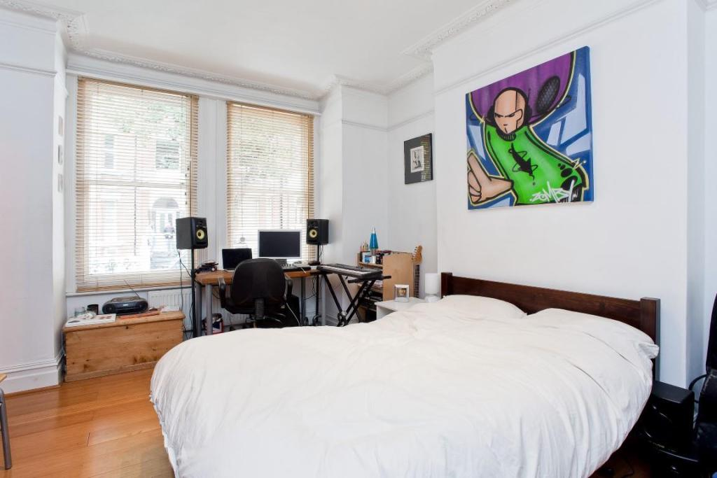 665. Bedroom 1.JPG