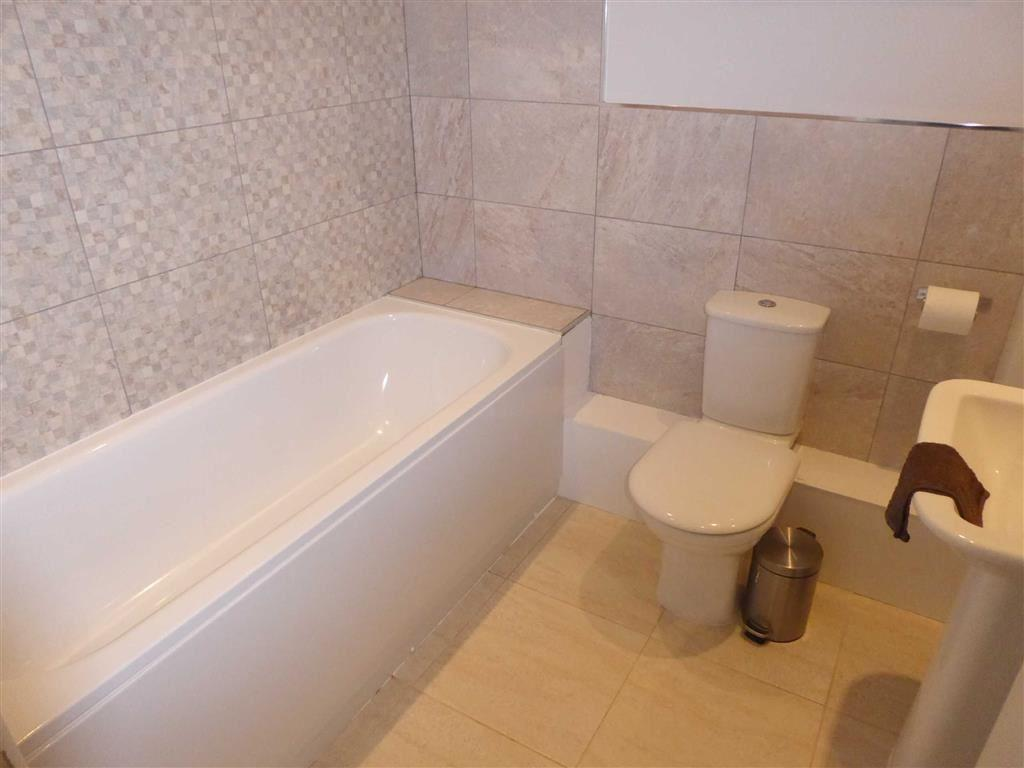 House Bathroom / WC:
