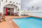8 bed Villa for sale in Canary Islands...