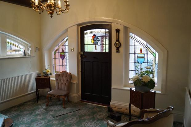 Hall Feature Windows