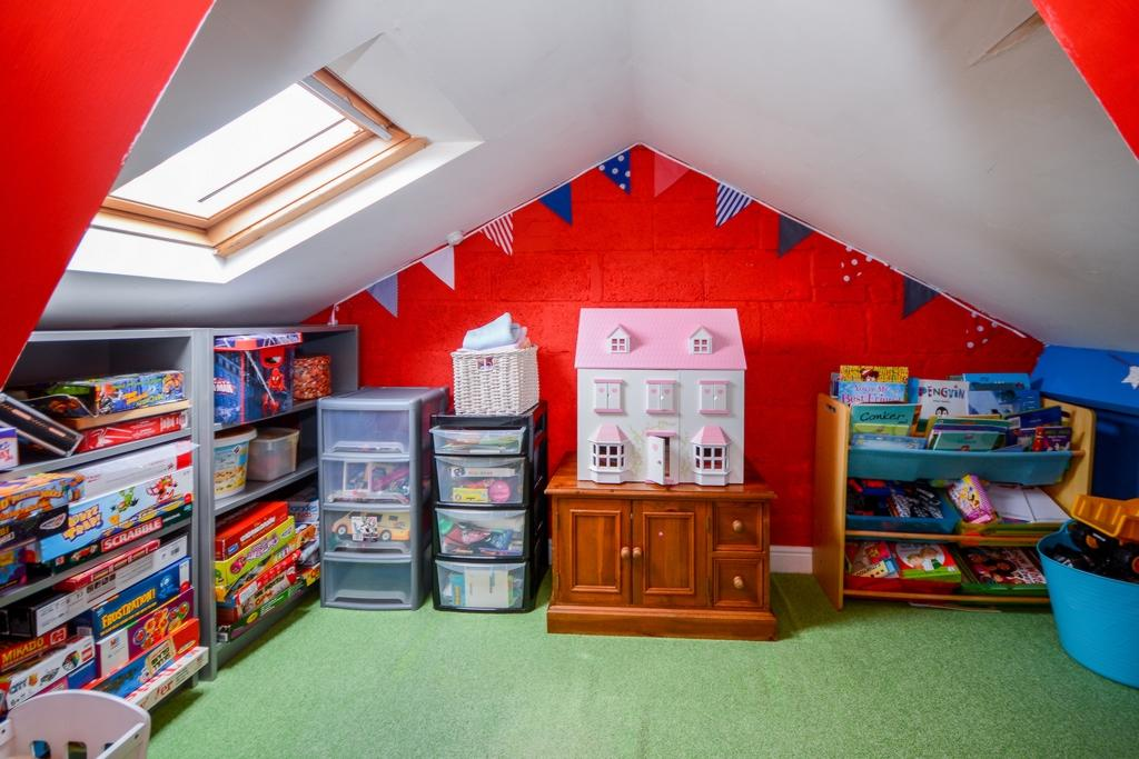 Loft Room (2)