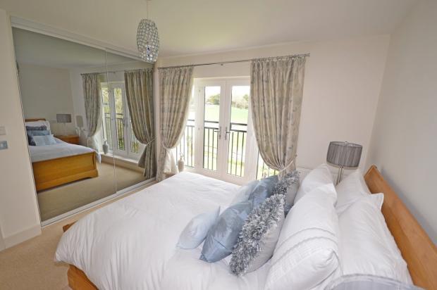 Main bedroom House t