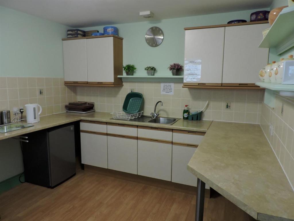Communal kitchen fac