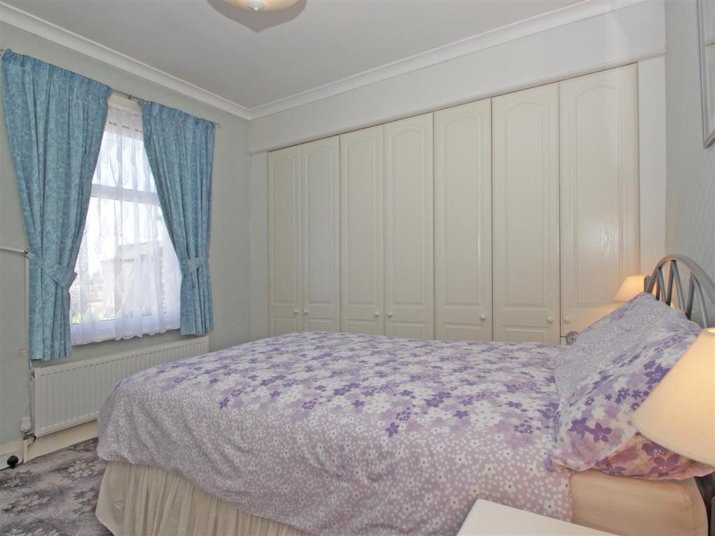 main bed.jpg