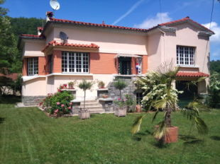 Country House for sale in Midi-Pyrénées, Ariège...