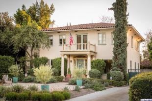 4 bedroom property in California...