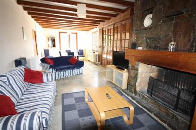 Middle floor lounge