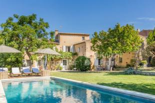 6 bed property for sale in 84220 roussillon