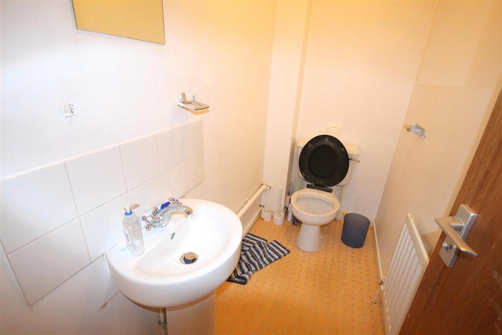 Cloakroom WC