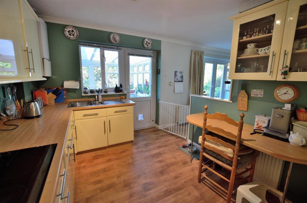 Annexe Kitchen/Break