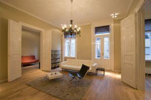 3 bedroom Flat in Budapest, District V