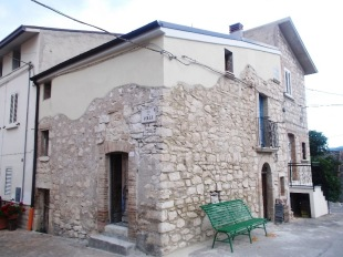 2 bed semi detached house for sale in Abruzzo, Chieti...