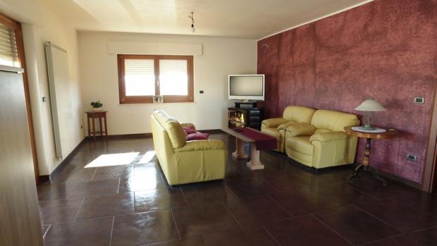 Entrance,living area