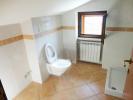 Second floor bathroo