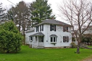 4 bed property for sale in USA - Massachusetts...