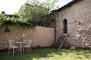 Village House for sale in Veneto...