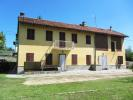 Cottage for sale in Castell`Alfero, Asti...