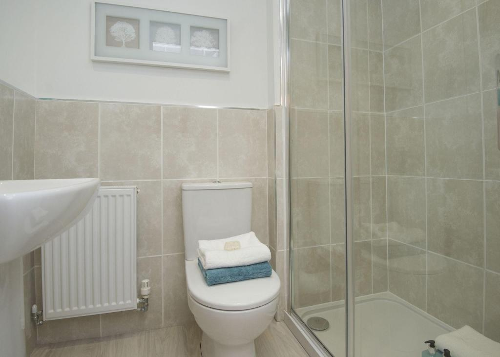 Typical Kennington en suite to master bedroom