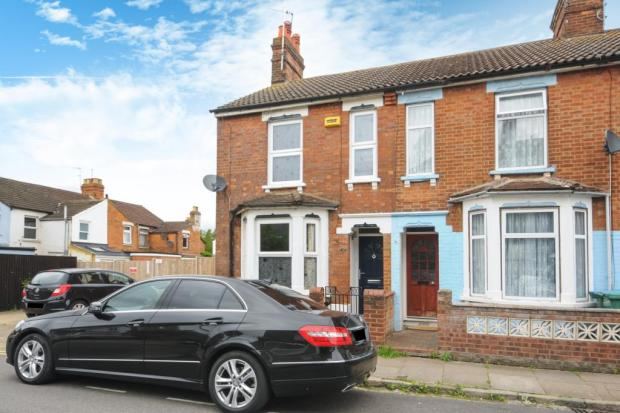 3 Bedroom House For Sale In Queens Park Aylesbury Town Centre Hp21 Hp21
