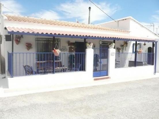 Pretty village house in El Hijate
