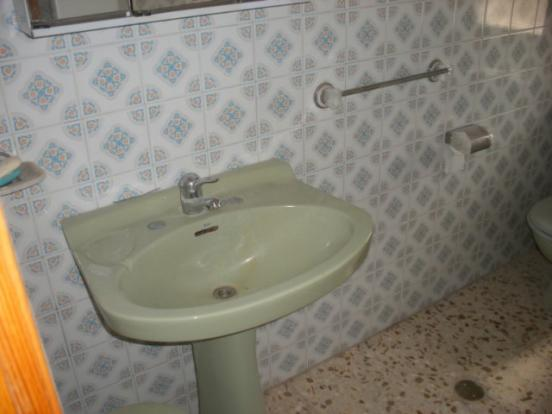 Family bathroom ground floor.