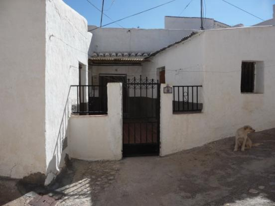 Cave for sale in Freila