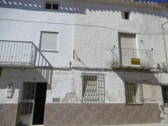 Property for renovation in Pozo Alcon