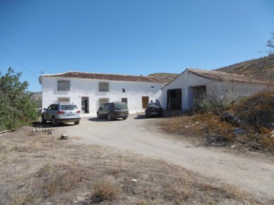 Large rural property & workshop
