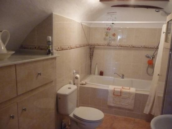 Family bathroom & utility area